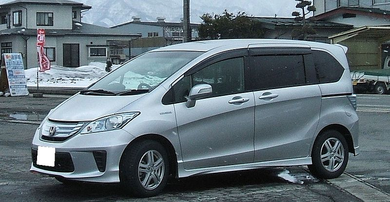Honda_Freed Hybrid