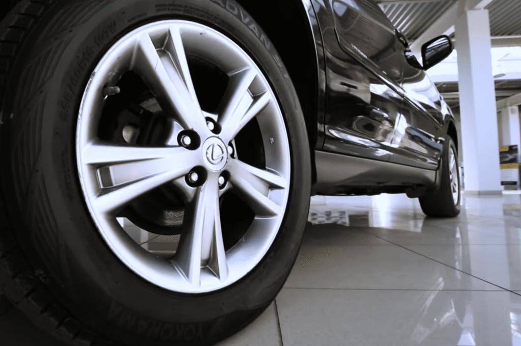 Lexus RX 400h колесо