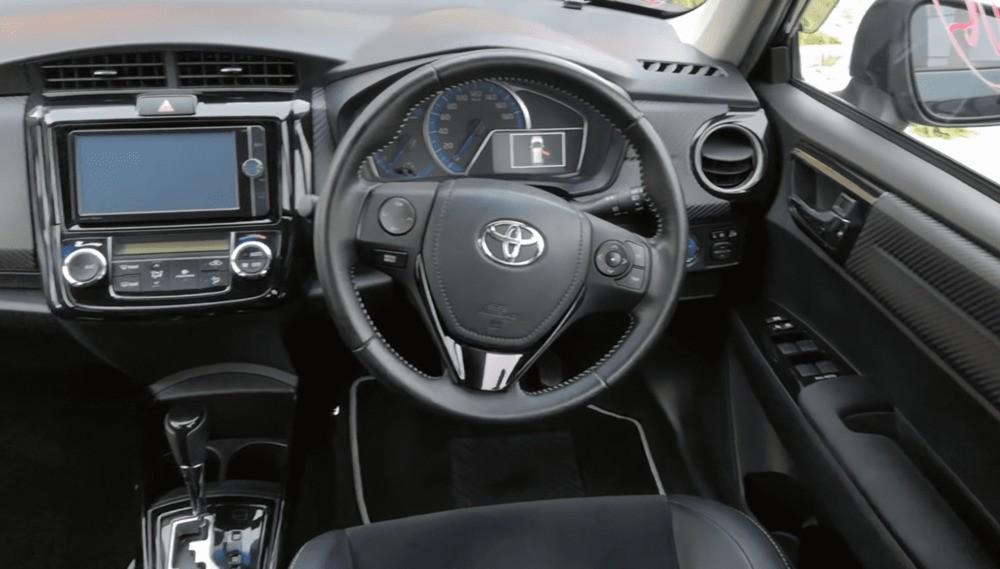 Тойота Филдер гибрид центральная консоль