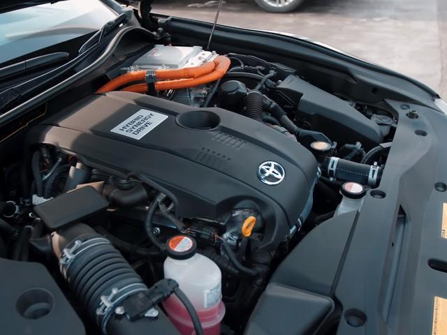 Двигатель краун гибрид