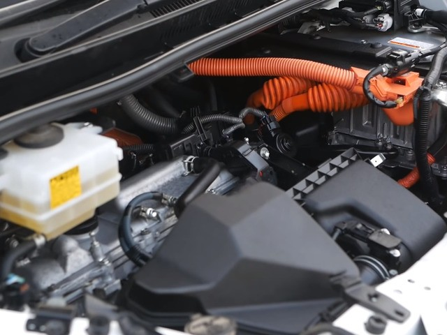 Гибридный двигатель Вокси