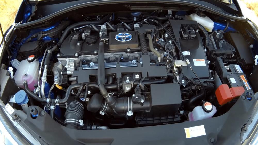Toyota C-HR гибрид двигатель