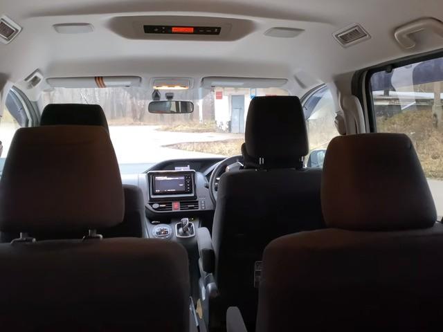 Задние сиденья Тойота Вокси
