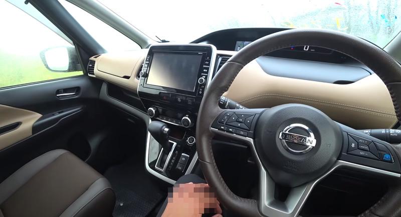 Nissan Serena гибрид салон