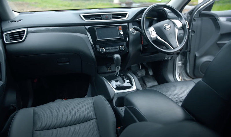 Nissan X-Trail Hybrid салон