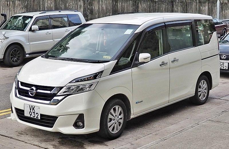 Nissan_Serena hybrid 2016