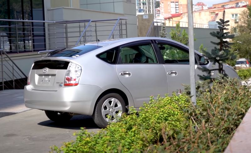 Тойота Приус 20 кузов вид сзади