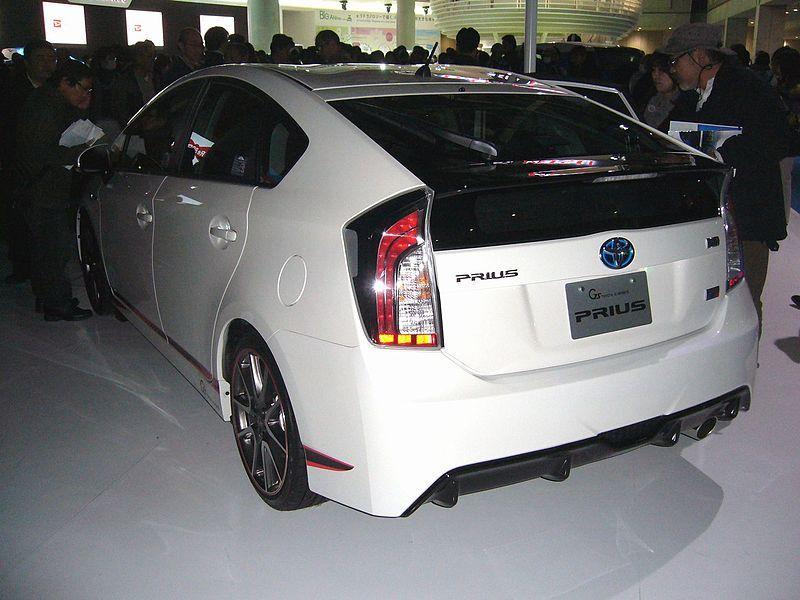 Toyota Prius ZVW30, третье поколение вид сзади