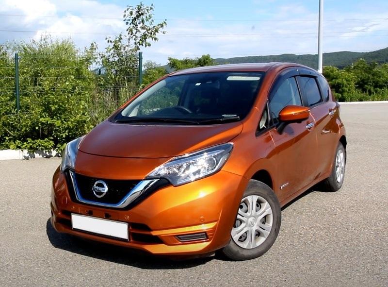 Nissan Note гибрид вид спереди