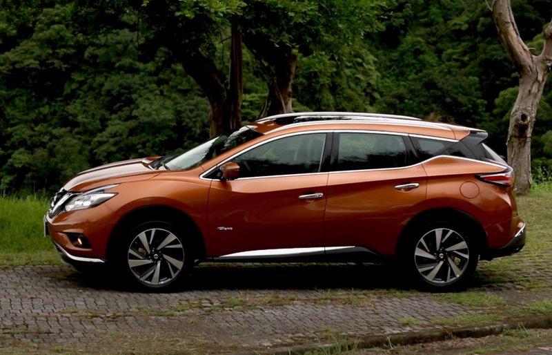 Nissan Murano Hybrid Вид сбоку