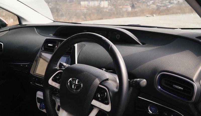 Четвёртое поколение Toyota Prius кузов XW50 салон