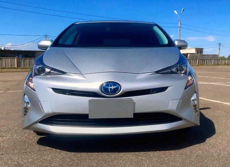 Toyota Prius 50 кузов, 4 поколение вид спереди