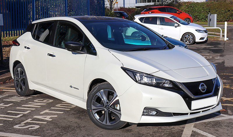 Nissan Leaf 2018, 2 поколение вид спереди