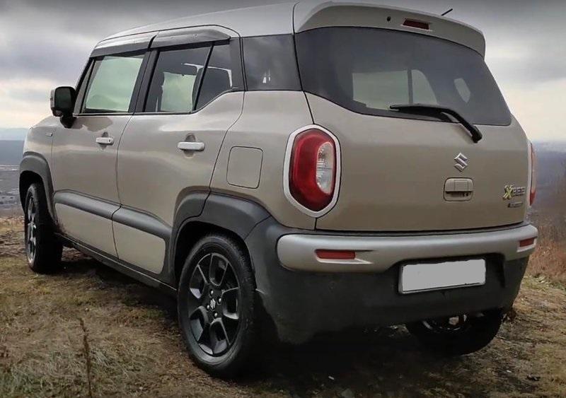 Suzuki Xbee вид сзади