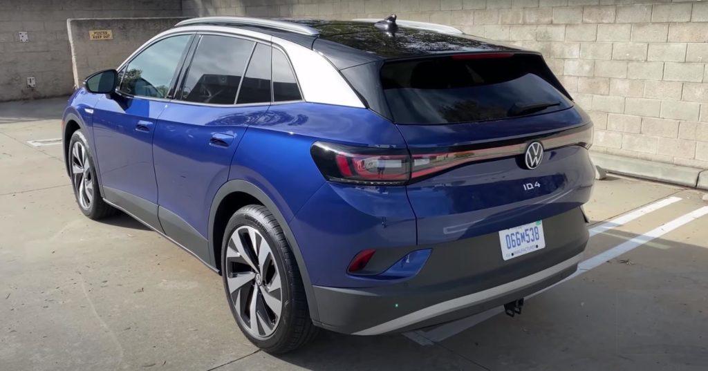 Вид сзади на Volkswagen ID.4
