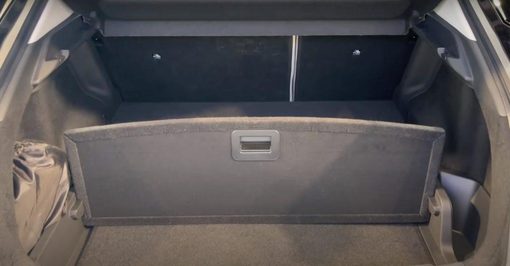 Багажник - ниша открыта
